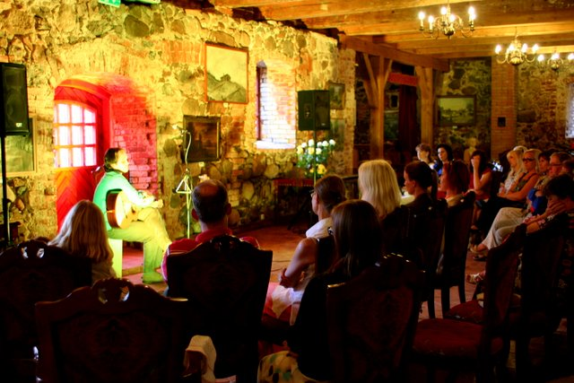 "Hedvig Hanson ja Andre Maaker ""Puudutus"". Cantervilla loss, 15. juuli 2014"