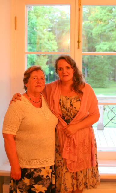 Virve Osila ja Hedvig Hanson. Mäetaguse mõis, 17. juuli 2014