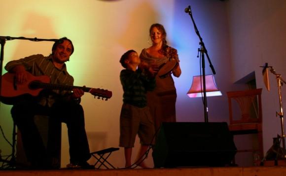 """""""Armastuslaulude"""" lõpulugu Kuressaares. 14. juuli 2012"""